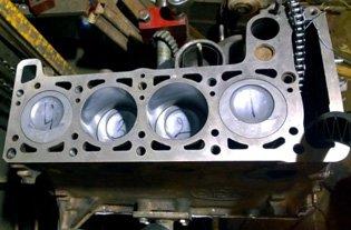 Блок цилиндра мотора Шнивы ВАЗ 21213-1002011